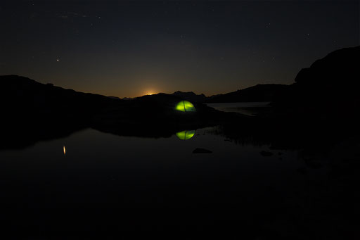 Moonset at Flüeseen