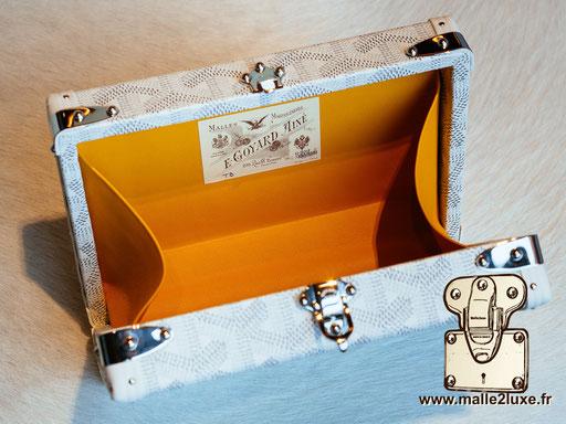 mini malle trunk goyard blanche petite ouverture
