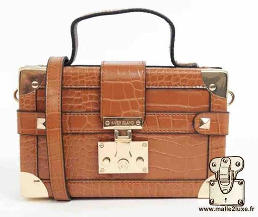 mini malle trunk petit vintage pas cher River Island