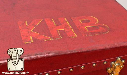 malle auto rouge personnalisation KHB Louis Vuitton