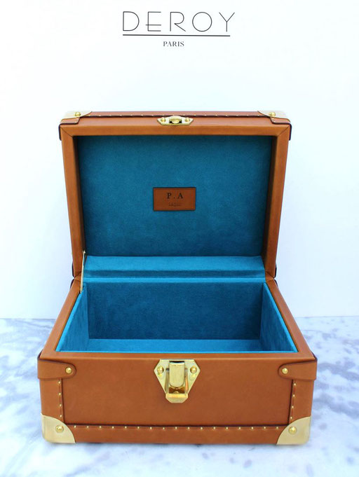 fabriquer ecrin sur mesure avec les accessoires de luxe malle2luxe paris