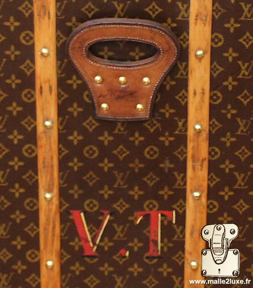 Personnalisation VT initiales malles Louis Vuitton