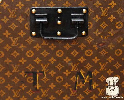 initiales malles Louis Vuitton ancienne bordure acier tm