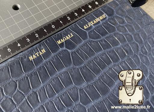Personnalisation dorure texte sur mesure haute joaillerie sur crocodile