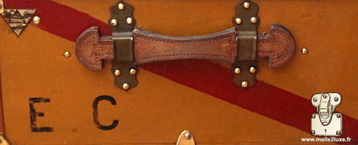 Personnalisation initiales EC ancienne moynat
