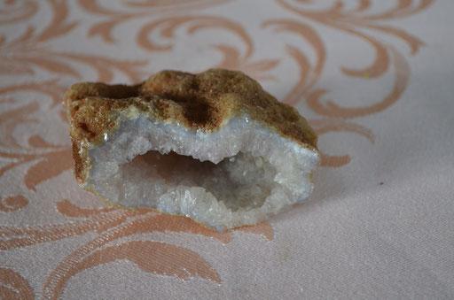 kleine Quartz Druse von 145 g. Preis: 6,00 €