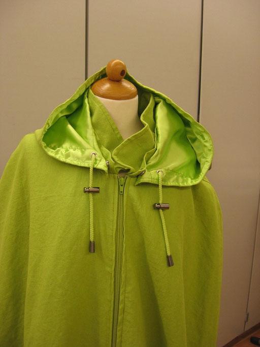 Licht groene cape