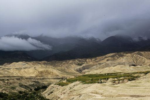 Expedition_Adventure_Jürgen_Sedlmayr_Nebel_Wasser_Wolken_Upper_Mustang_Nepal_01