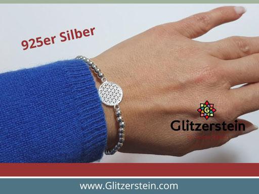 Kugelarmband aus 925er Silber in 4 mm mit dem Schmuckverbinder Lebensblume
