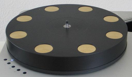 der neue Plattenteller mit eingelassenen Schwunggewichten