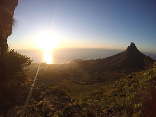 Sunset at Kloof Nek with the Lion's Head to the right, Cape Town, Running Guide, City Guide, Run My City, run to discover, run to explore