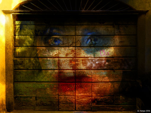The surreal face behind the old door
