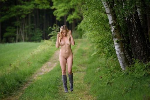 Blanca Brooke, Outdoor