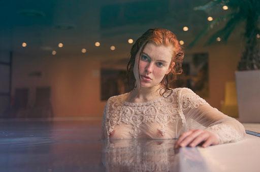 Clara, Pool