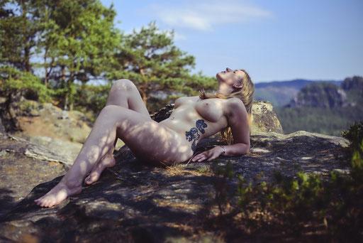 Melanie, Outdoor