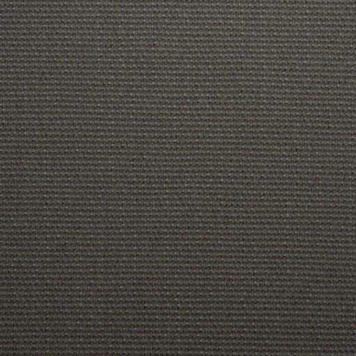 NUAGE GRIS Une couleur brute, minérale, comme les pierres, qui impose un style cabane tout en restant discrète par sa tonalité neutre.