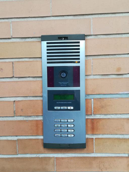 Instalación videoportero exterior anterior Fermax