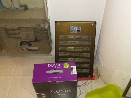 Detalle portero automático antiguo vs DUOX