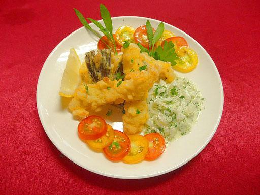 #スズキの天ぷら&タルタルソース #下処理したスズキの切り身を強力粉をまぶし天ぷらに #タルタルソースをかけ召し上がる