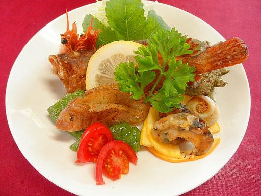 #魚介のフリット #食材 #カサゴ #小ダイ #サザエ #強力粉で揚げます