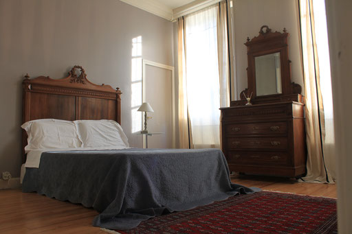 Deluxe Double bedroom, ensuite, city view