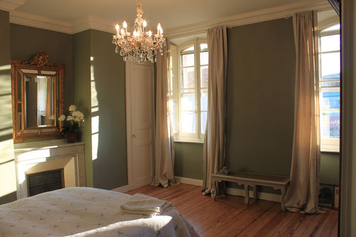 Deluxe Double bedroom, ensuite, pool view