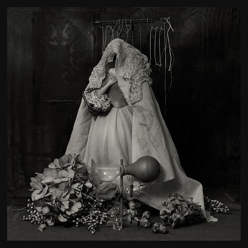 Les Oratoires Domestiques: La Belle de Mai, 40X40cm, 2016