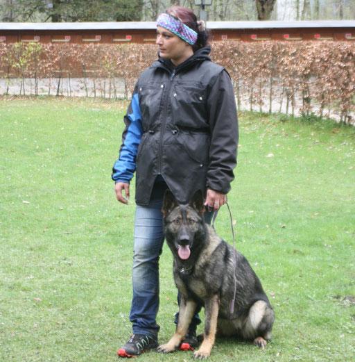 Mirjam Zölly mit Maika vom Haus Pixner