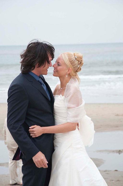 bruidsreportage (strand Scheveningen)