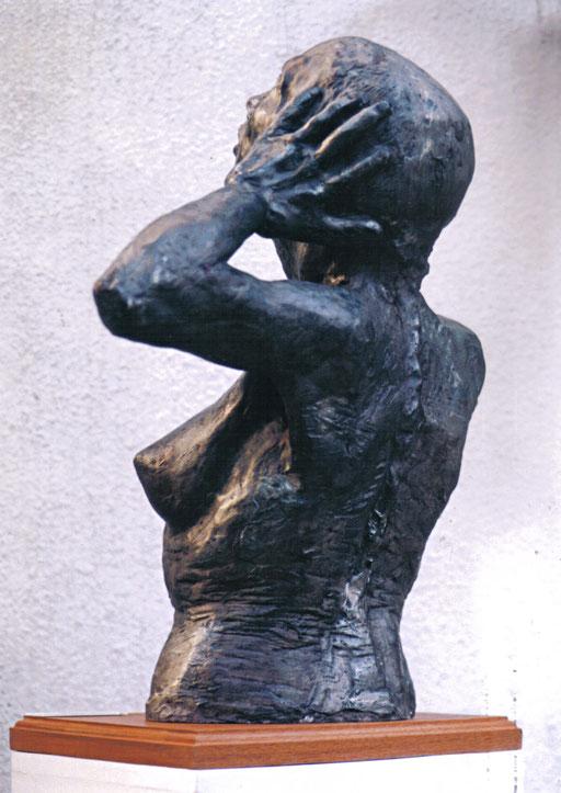 ESPERANZA. 2001. Cemento
