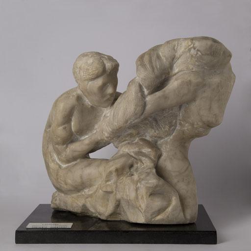 HUNO. 1993. 20 x 29 x 30 cm. Alabastro