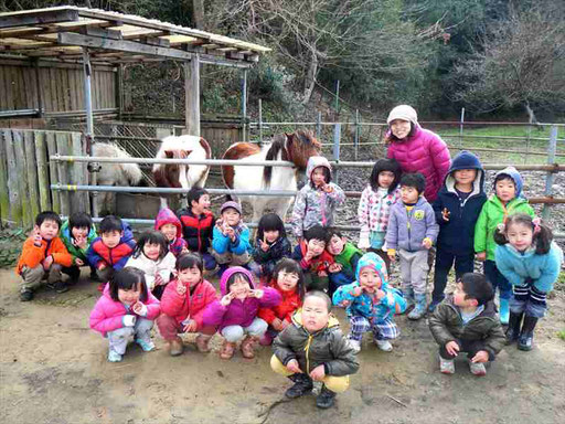 幼稚園教諭、保育士資格を持ったスタッフ、自然体験活動の専門スタッフが指導しています。(※現在は求人募集は行なっておりません。)