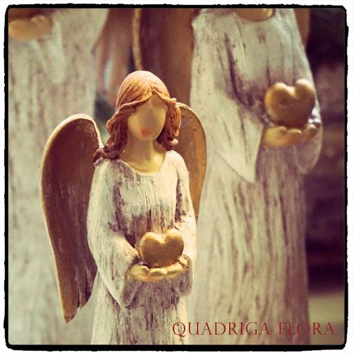 Diese Engel sind nur als Beispiel gedacht. Jedes Jahr gibt es ein wechselndes Sortiment von Engeln.