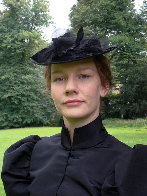 Ende 19.Jhd., Sandra Hüller als Charlotte in Röntgen - Fundusperücke