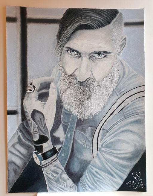 Portrait Frank Trätow; 56x 42cm; Prismacolor premier auf Aquarellkarton