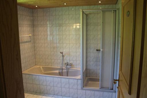 Badezimmer Wohnung 1. OG