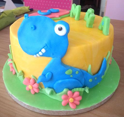 gateau-anniversaire-dinosaure-mignon-Tonka-Croix-Rousse
