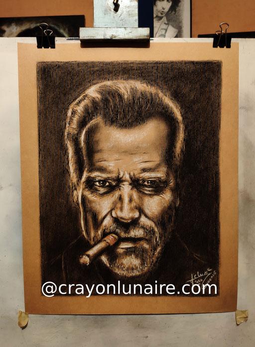 Arnold-Schwarzenegger-portrait-au-fusain-sur papier-kraft