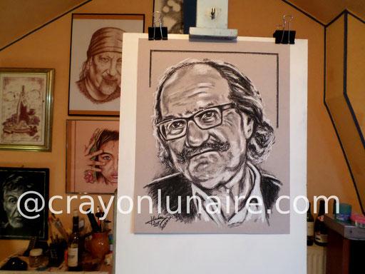 Portrait Gérard Hernandez fusain et pierre blanche.