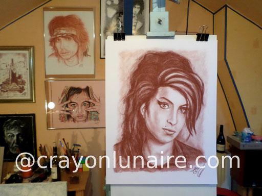 Portrait Amy Winehouse portrait à la sanguine Médicis.