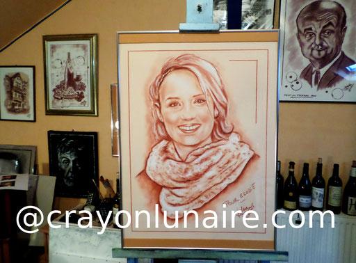 Portrait Elodie Gossuin sanguine XVIIIe et pierre blanche.