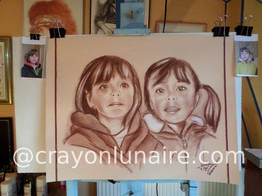 Portraits jumelles à la sanguine te pierre blanche