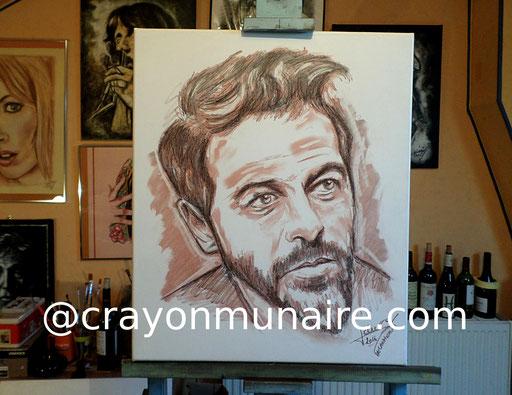 Portrait Christophe Mae sanguine et fusain sur toile de lin.
