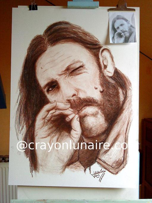 Lemmy Kilmister portrait à la sépia et pierre noire