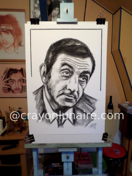 Portrait Lino Ventura fusain sur papier blanc.