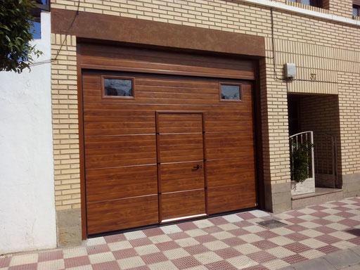 seccional con imitacion madera