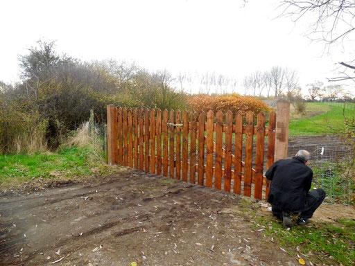 Jetzt noch den Zaun anbringen und passt. http://www.teampartner-hund-hoya.de
