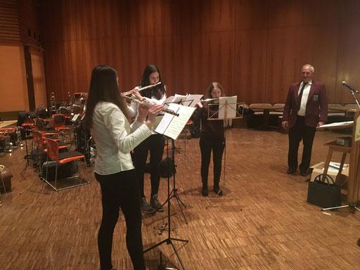Unsere Flötenzöglinge beim Vorspiel