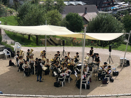 Konzert in der Konzertmuschel des Hotel Dollenberg