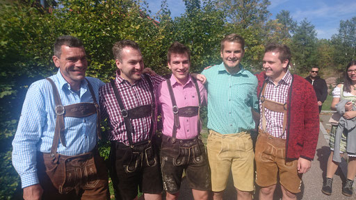 Die Männer in Lederhosen